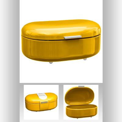 Boîte à pain jaune