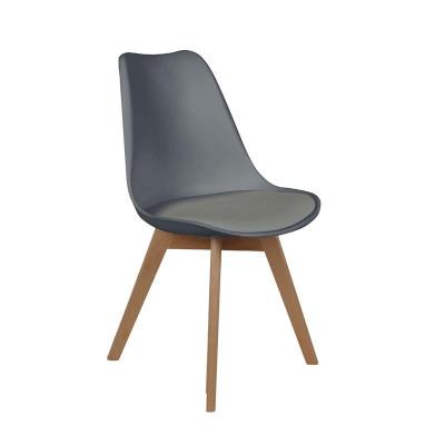 Chaise scandinave avec coussin grise
